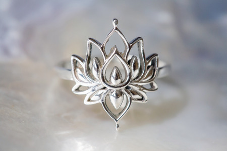 Silver female ring in the shape of lotus