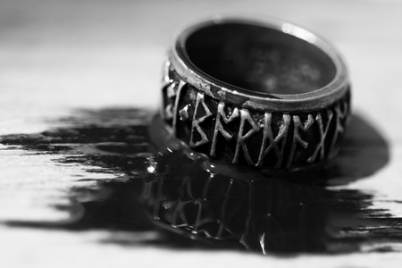 futhark: Runeband ring