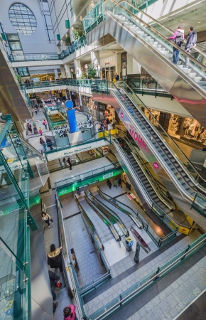 Vertical picture of Eaton Center, the main mall in Montreal Stock Photo - 18951366
