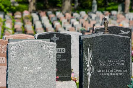 墓地の墓石についての一般的なビュー