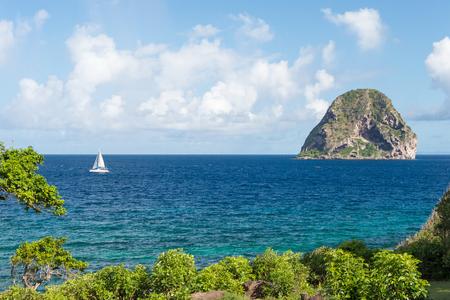 Rocher du Diamant (Diamond rock) en Martinica (julio de 2017)