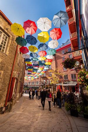 Quebec City, Canada - 5 October 2019: Umbrella Alley in Rue du Cul de Sac Éditoriale