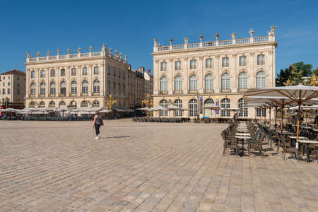 Nancy, France - 21 June 2018: People walk in the Place Stanislas square in the morning. Редакционное