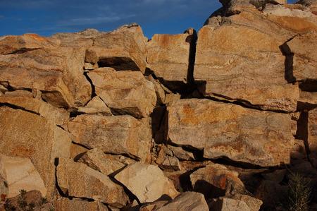 stone cutter: cracks in granite