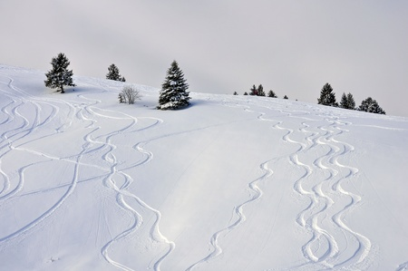waves in the snow Stock Photo - 12552136