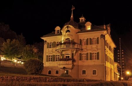 schwangau: J&auml,gerhaus  Hunter House  Schwangau at night