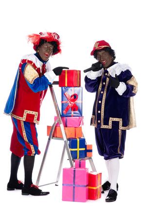 zwarte piet: Zwarte piet is going to bring the presents to the children