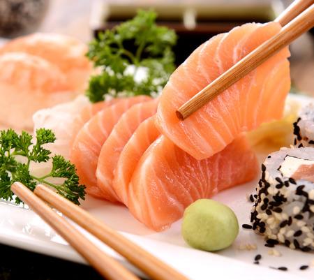 japanese food: Sashimi rebanada Foto de archivo