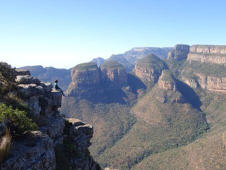 Man with Three Rondawels in Mpumalanga Province, South Africa 版權商用圖片 - 128725537