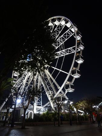 V&A Waterfront Big Wheel & Table Mountain Cape Town South Africa 版權商用圖片 - 128725621