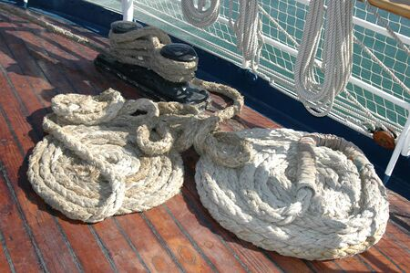 Rope in a spiral shape on ship floor 版權商用圖片