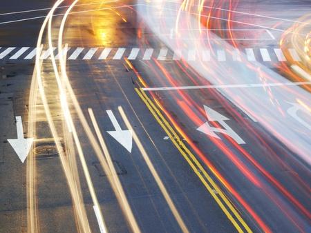 schlagbaum: Nacht-Verkehr in der Stadt Lizenzfreie Bilder