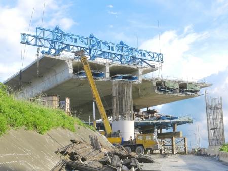 infraestructura: Puente en construcci�n Foto de archivo