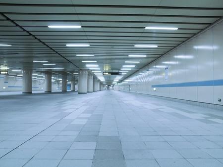 통로: 지하 통로 스톡 사진