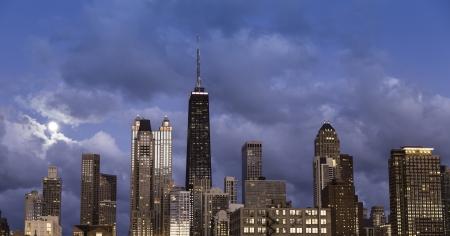 City of Chicago skyline at dusk Stock Photo - 16075220