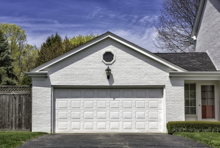 Traditional two car wooden garage Stockfoto