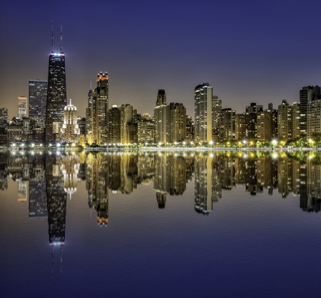 Chicago Downtown Magnificent Mile de noche photo