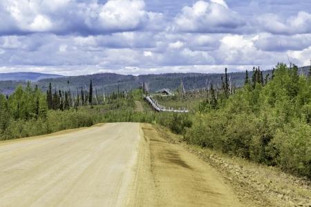 Dalton Highway and Trans-Alaska oil pipeline Banco de Imagens