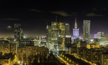 Warschau stad in bij nacht, Polen