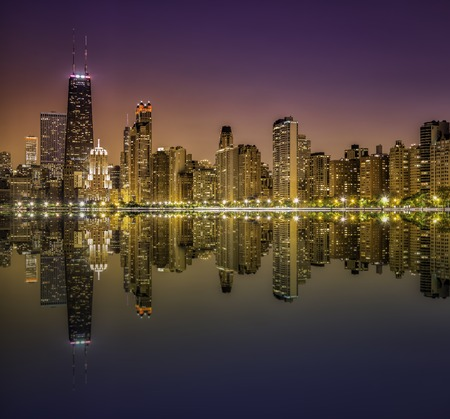 magnificent mile: Downtown Chicago Magnificent Mile by night