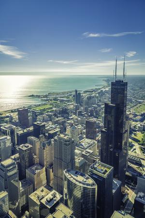 シカゴの金融地区航空写真ビューの日の出 写真素材