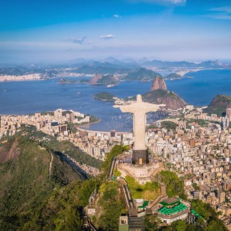 리오 데 자네이로 브라질 : 높은 각도에서 그리스도와 보타 베이의 공중보기 스톡 콘텐츠 - 39531452