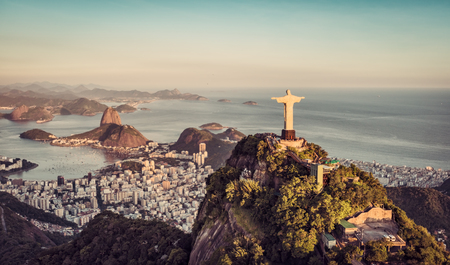 Botafogo 베이와 설탕 덩어리 산, 리오 데 자네이로, 브라질의 공중 파노라마