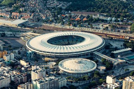RIO DE JANEIRO, BRAZIL - FEBRUARY 2016: Aerial photo of Maracana Stadium with panorama of Rio De Janeiro 新聞圖片