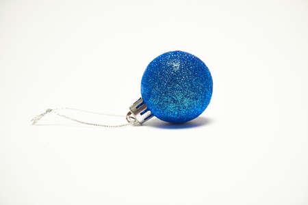 Blue Christmas ball on a white background, New Year, Christmas toys, holiday, Christmas Standard-Bild