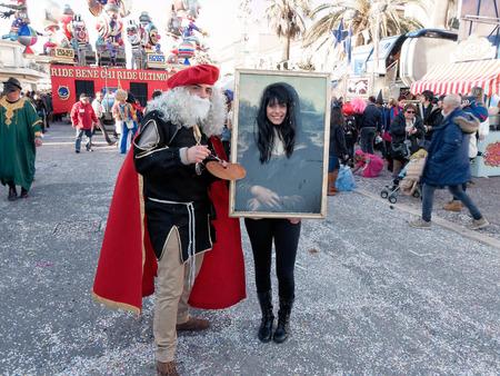 VIAREGGIO, ITALIA - 23 febbraio: carro allegorico di Beppe Grillo al Carnevale di Viareggio terrà 23 febbraio 2014