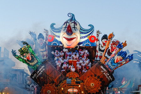 viareggio: VIAREGGIO, ITALY - February 7:   parade of allegorical chariot at Viareggio Carnival held February 7, 2010