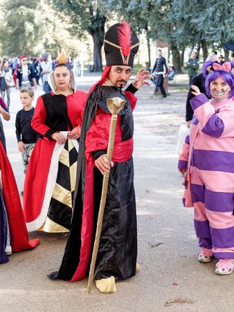 avenger: Lucca, Italia - 11 de noviembre: personajes máscaras de dibujos animados en Lucca Comics celebradas 01 de noviembre 2014 Editorial