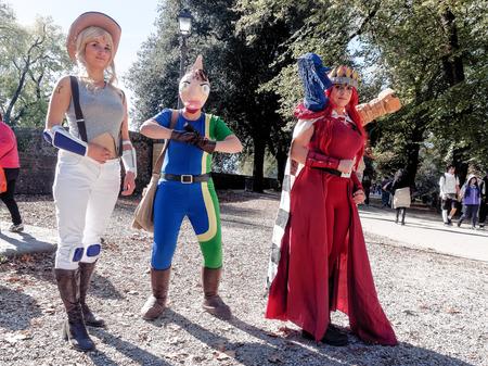 vengador: Lucca, Italia - 11 de noviembre: personajes m�scaras de dibujos animados en Lucca Comics celebradas 01 de noviembre 2014 Editorial