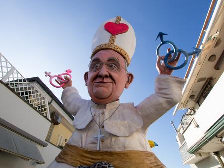 viareggio: VIAREGGIO, ITALY - FEBRUARY 2:   allegorical float of pope Bergoglio at Viareggio Carnival held February 2, 2015