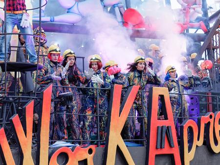 viareggio: VIAREGGIO, ITALY - FEBRUARY 7:   allegorical float  at Viareggio Carnival held February 7, 2016