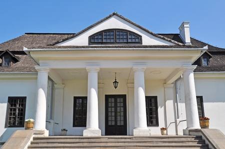 Historyczna rezydencja stojąca w parku-Kraków, Kraków, Polska