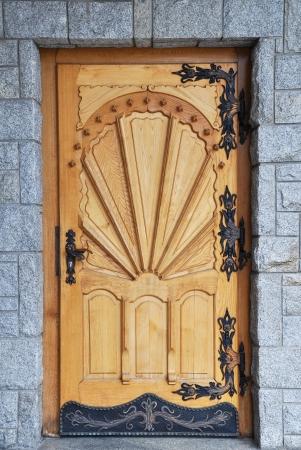 Old large wooden door Stock Photo - 19871673