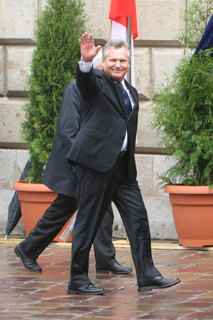 aleksander: KRAKOW, POLAND - JUNE 04, 2009: 20th Anniversary of the collapse of Communism in Central Europe op Aleksander Kwasniewski