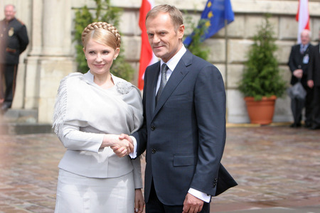 KRAKOW, POLAND - JUNE 04, 2009: 20th Anniversary of the collapse of Communism in Central Europe op Polish Prime Minister Donald Tusk Yulia Tymoshenko Editorial