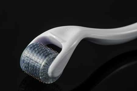 filler: Derma roller for medical micro needling therapy. Tool also known as: Dermaroller, mesoroller, mesoroller, mesopen.