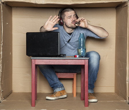 intern: intern drink alcohol while working on the computer