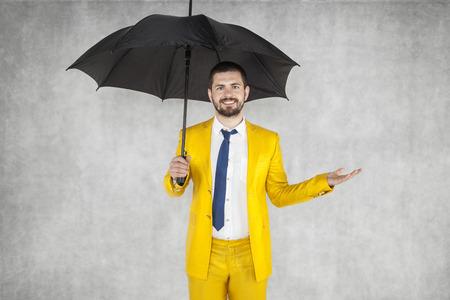 agente de seguros para asesorar al cliente Foto de archivo
