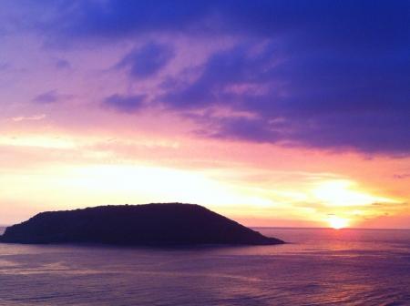 Lovely sunset at the ocean