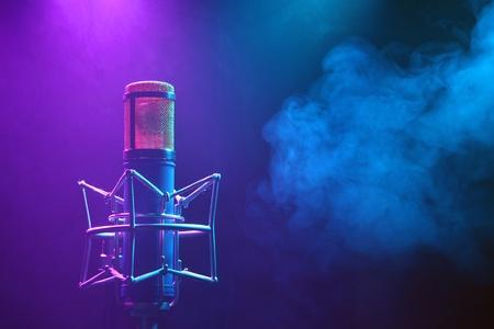 volume glow light: microphone