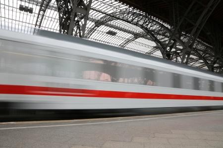 움직이는 기차 스톡 콘텐츠