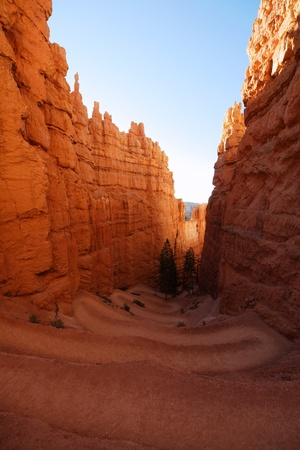 bryce: Tortuos trail in Bryce Canyon, Utah Stock Photo