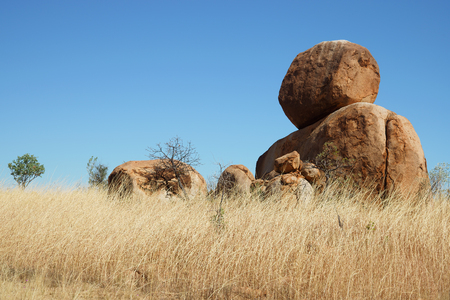 boules: Boulders rock formation near Great Northern Hwy, Australia Stock Photo
