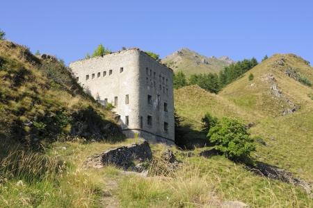 barracks: Blockhouse Falouel   fort d Aval  1892, 1930 m  - Italy