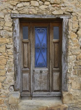 clavados: Antigua puerta de entrada oscilación con hoja fija, Languedoc, Francia