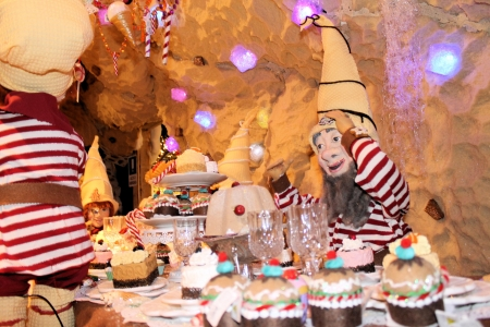 nose picking: Gnomes at the table who are having a party
